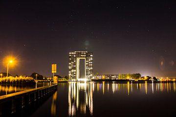 Tasmantoren bij nacht 1 sur Iconisch Groningen