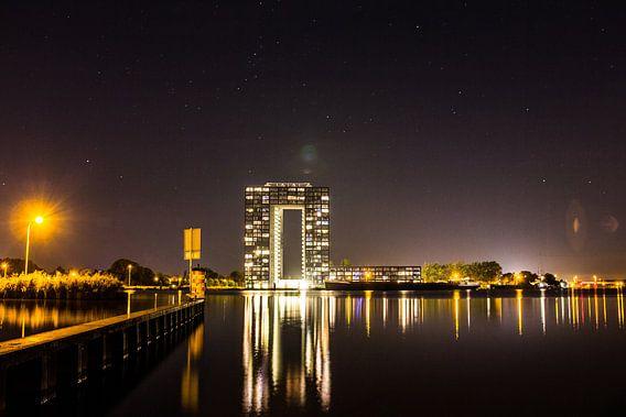 Tasmantoren bij nacht 1 van Iconisch Groningen