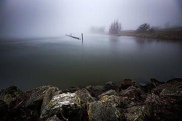 Flusslandschaft im Nebel (Wageningen) von Eddy Westdijk