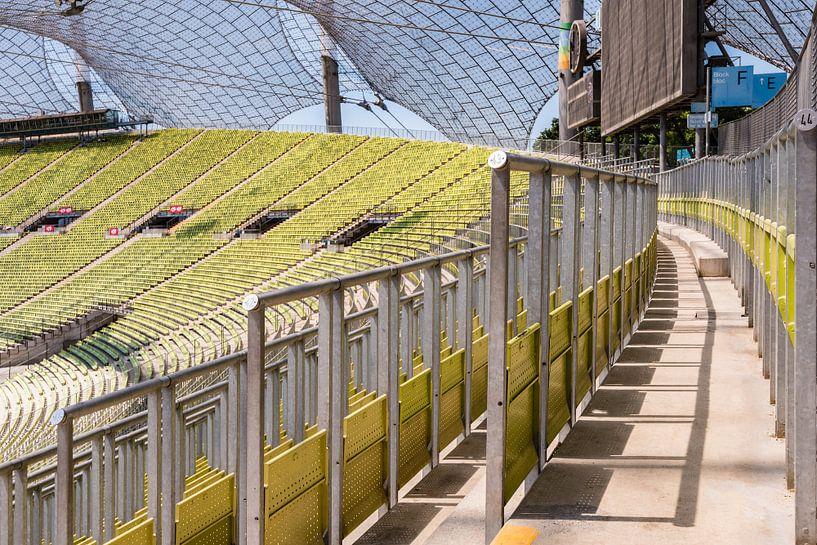 Olympiastadion , München (Stand-Tribüne) von John Verbruggen