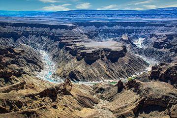 Indrukwekkend uitzicht op bocht in de Fish River Canyon,  Namibië van Rietje Bulthuis