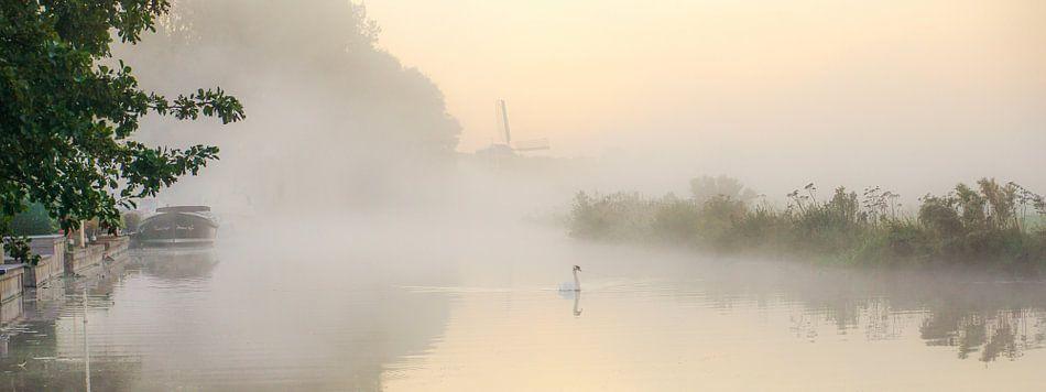 Mist in de morgen van Dirk van Egmond