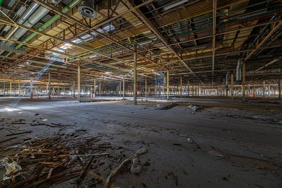 Urbex-foto van verlaten autofabrikantenfabriek