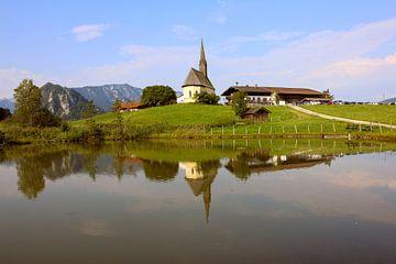 Kirche mit Alpen von Stephan Schulz