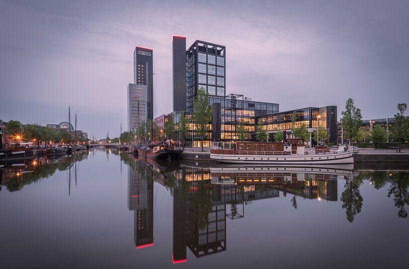 Leeuwarden Skyline Avero aan de Westersingel van Kevin Boelhouwer