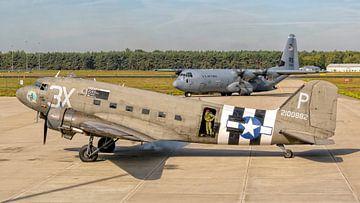 Oud en nieuw: C-47 Douglas Skytrain/Dakota & C-130J Hercules van Roel Ovinge