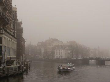 Mist in Amsterdam van Odette Kleeblatt
