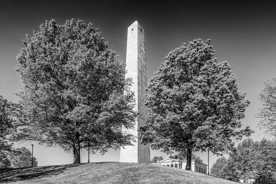 BOSTON Bunker Hill Monument | zwart-wit  van Melanie Viola