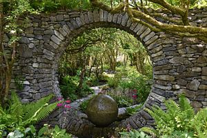 Doorkijkje tuin van