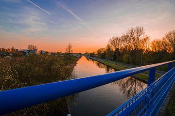 Noordvliet in Maassluis tijdens zonsondergang von Nathan Okkerse