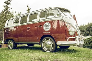 Retro Transporter des Volkswagen Transporter T2 (T1 Generation) von Sjoerd van der Wal