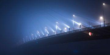 Erasmusbrug in de mist panorama sur Vincent Fennis