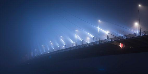 Erasmusbrug in de mist panorama van Vincent Fennis