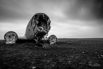 Verloren op een strand in IJsland van