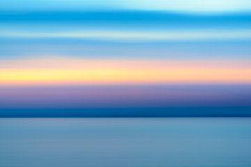 Abstrakter Norwegen-Sonnenuntergang über Vestfjord vom Vesteralen Insel archipel im Winter von Sjoerd van der Wal