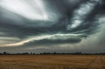 Agressief onweer van Rick Bekker