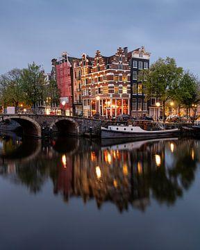Amsterdam Brouwersgracht zonsopgang van Jeroen van Rooijen