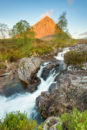 Glen Etive Waterfall (edgewise version) van Michael Valjak