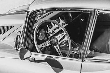 Jaguar E-Type 3.8 Serie I dashboard in zwart en wit van Sjoerd van der Wal