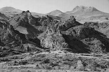 Ruig landschap in Armenië waar ontbossing ernstige erosie veroorzaakt van