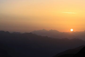 Sonnenaufgang in den Alpen von Karina Baumgart