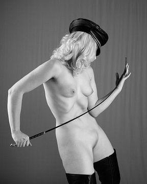 Herrin- Sehr schöne nackte Frau mit schönem Körper #P1096 von william langeveld