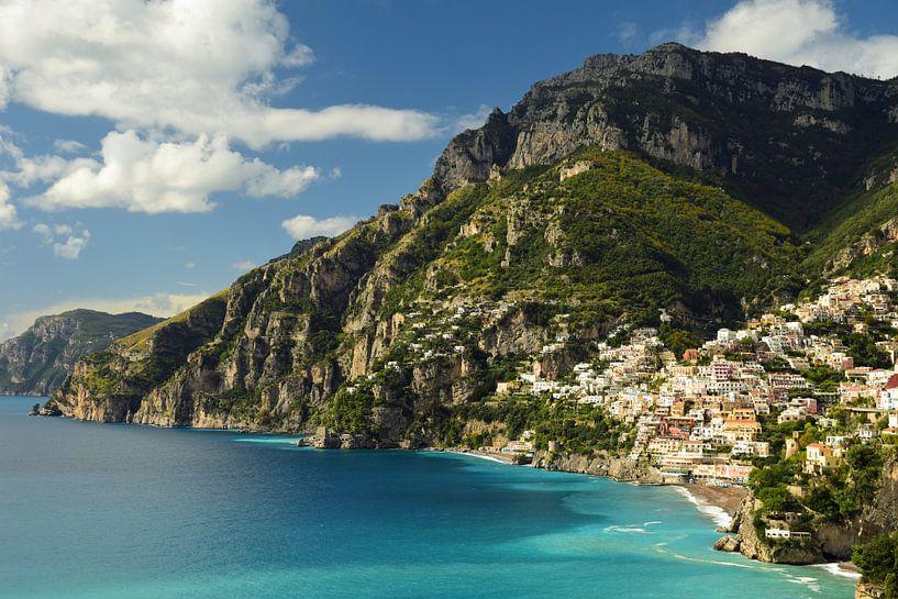La côte d'Amalfi, avec vue sur Positano sur Renzo de Jonge
