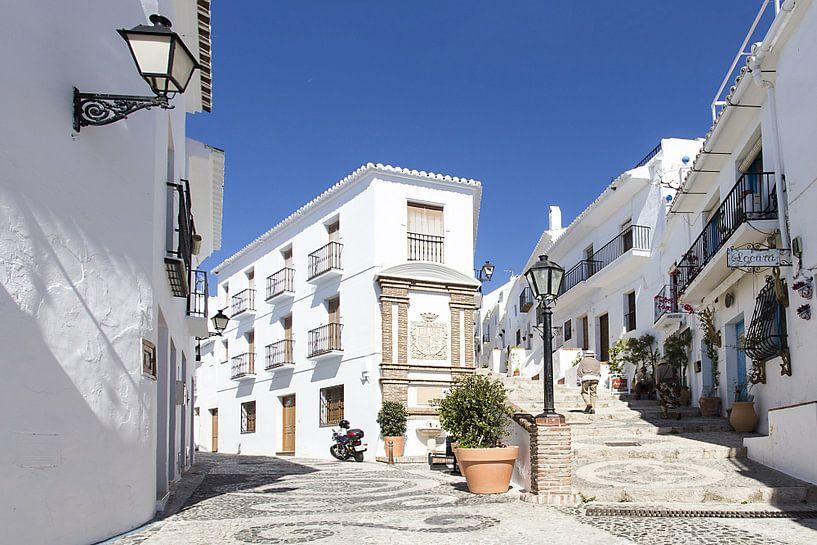 wit dorp in Andalusië van Antwan Janssen