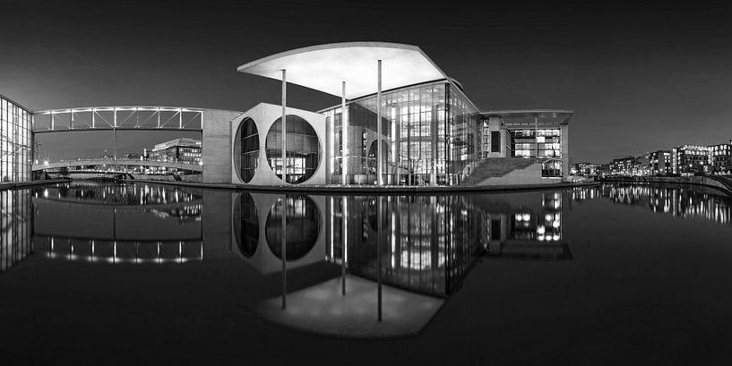 La nuit dans le quartier gouvernemental de Berlin sur Frank Herrmann