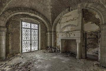 Open haard in vervallen kasteel von Kristel van de Laar