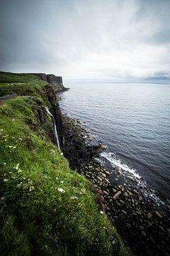 Mealt-Wasserfall und Kilt Rock in Isle of Skye von Ken Costers