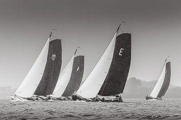 Donkere lucht skûtsjesilen Sneekermeer von ThomasVaer Tom Coehoorn