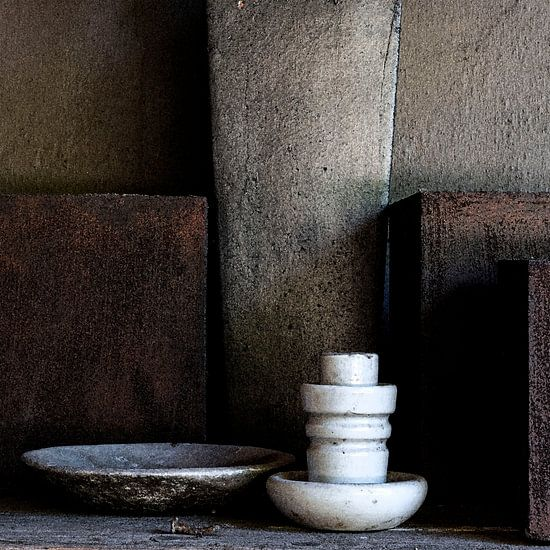 Stilleven met potten en stroomgeleider (gezien bij vtwonen)