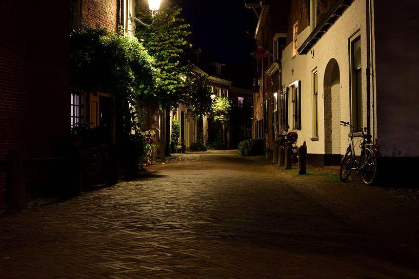 Een straat in Amersfoort van Gerard de Zwaan