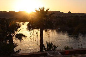 Zonsondergang boven de Nijl  van Philip Nijman