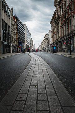 Verlassene Oxford Street während der Abriegelung in (London, 2020) von AB Photography