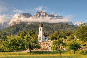 Ochtendstemming in Grainau in Beieren van Michael Valjak