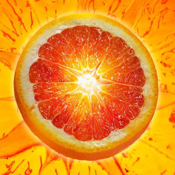 SF 00937479 Een plak bloed sinaasappel van BeeldigBeeld Food & Lifestyle