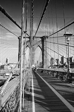 Auf der Brooklyn Bridge von Melanie Viola