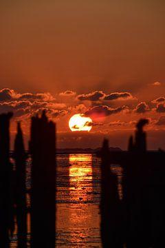 Zonsondergang Paesens Moddergat van Lisanne Bosch