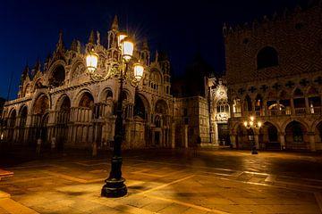 Venetië tijdens de avond van Damien Franscoise