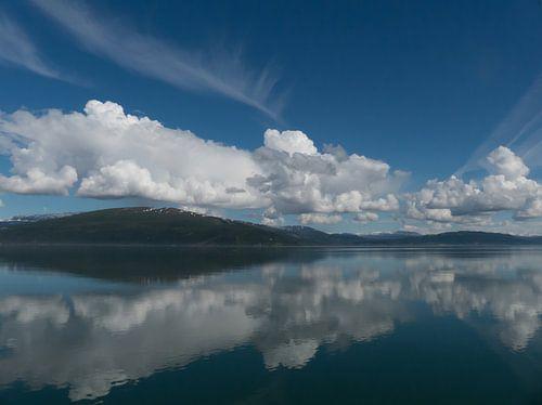 Weerspiegeling Ranfjord Noorwegen