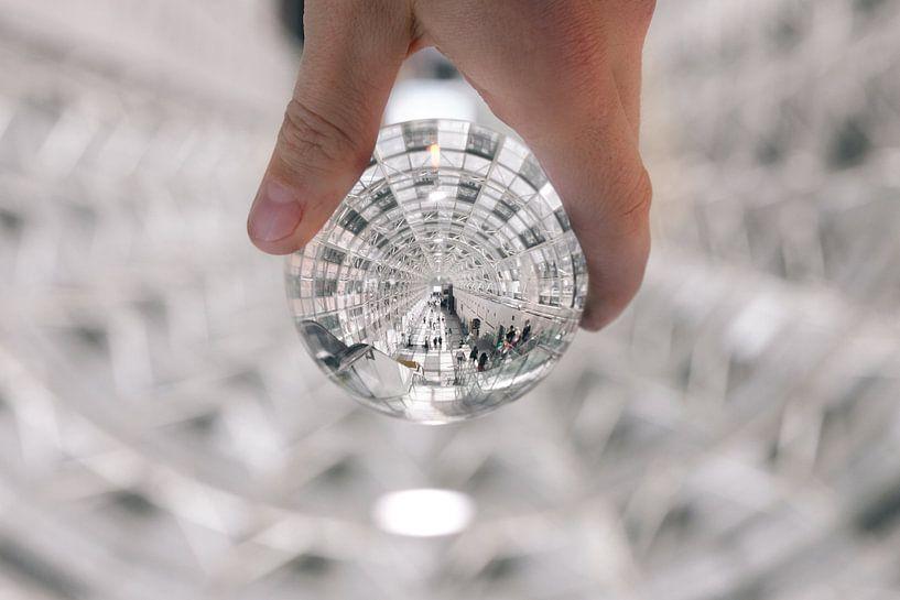 Verlichte tunnel door een lens gezien van Atelier Liesjes