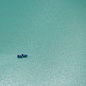 Roeiers op het Oeschinenmeer van Ronald Mallant