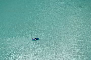 Rudergeräte auf dem Oeschinenmeer von Ronald Mallant