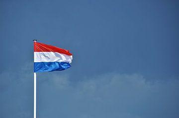 De Nederlandse Vlag wapperend in de Franse Zeewind van DoDiLa Foto's