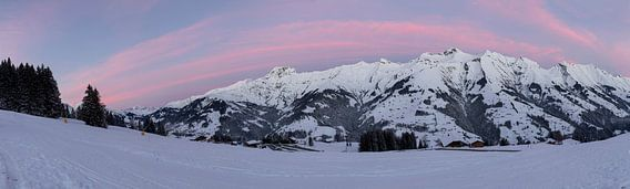 Sonnenaufgang in den Berner Alpen Panorama