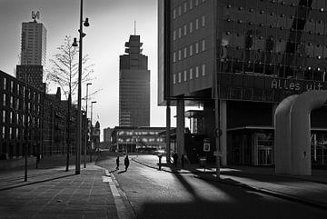 Rotterdam Kop van Zuid met ondergaande zon van Peter Hofwegen