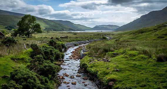 Iers landschap met riviertje