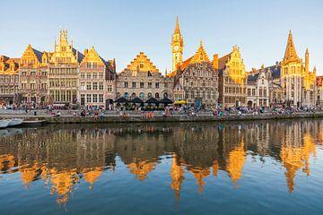 Graslei am Fluss Leie in der Altstadt von Gent von Werner Dieterich